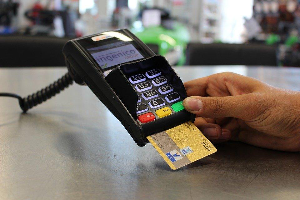 クレジットカードを紛失した際はどうすべき?悪用されない対策と再発行手順を紹介!のサムネイル画像
