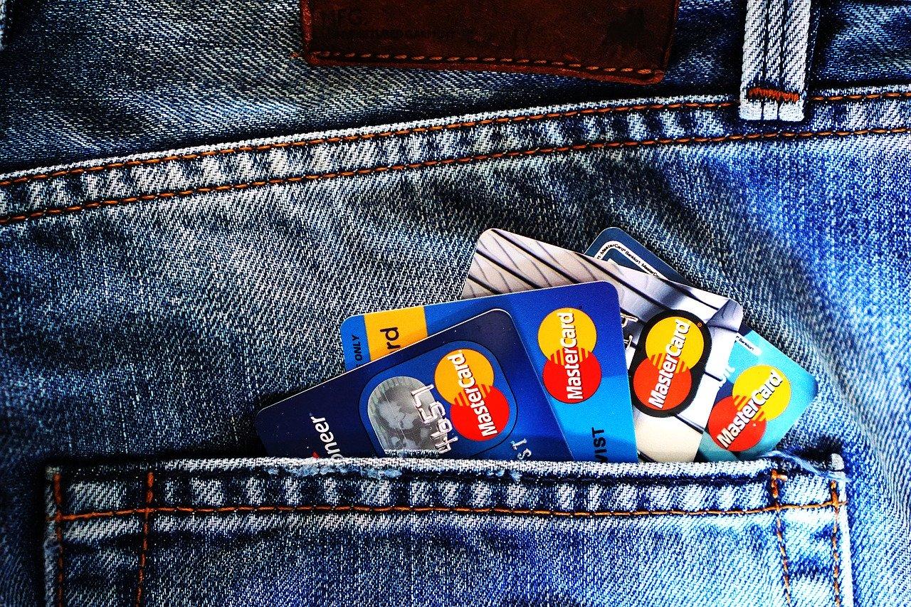 家族カード発行可能なクレジットカードの人気おすすめランキング15選のサムネイル画像