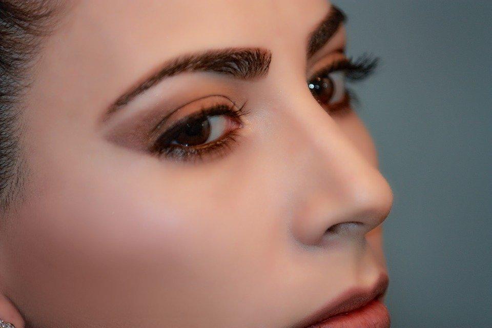 【専門家解説】眉毛脱毛はなぜ少ない?他の処理方法は?眉毛脱毛おすすめクリニック&サロン8選