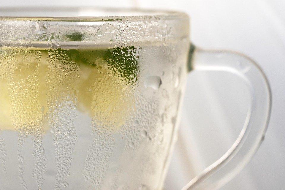 【白湯でやせる?】白湯ダイエットの効果は?絶対NGなやり方がある?