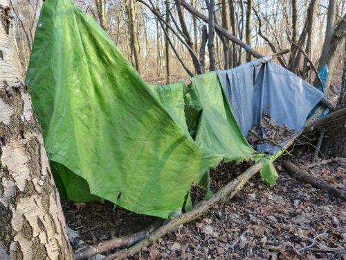 古い テント